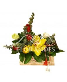 Aranjament floral orhidee si ranunculus