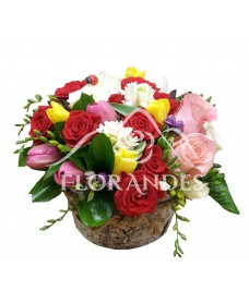 Aranjament floral zambile si lalele