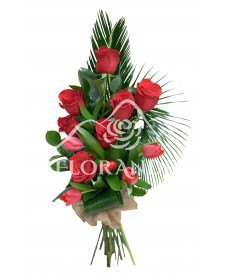 Buchet trandafiri si lalele rosii