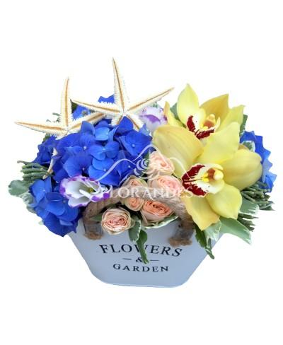 Aranjament floral hortensie albastra