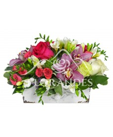 Aranjament floral trandafiri si orhidee