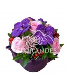 Ceainic trandafiri si orhidee mov