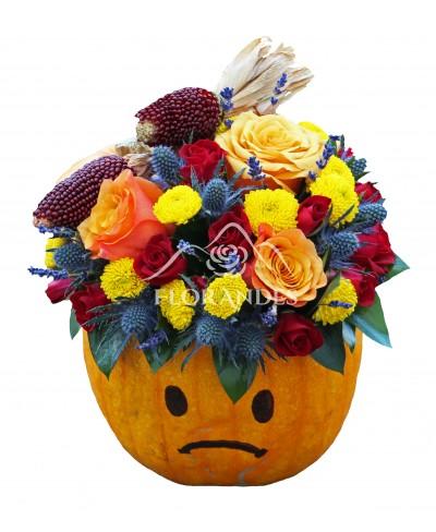 Aranjament floral cu trandafiri portocalii