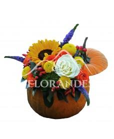 Aranjament floral cu veronica si santini
