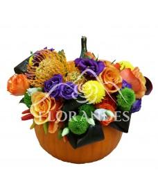 Aranjament floral trandafiri portocalii si ardei