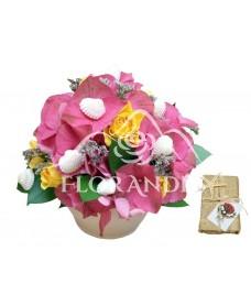 Aranjament floral hortensie roz