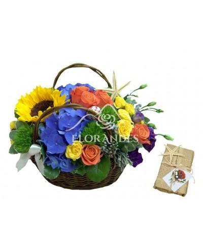 Aranjament floral hortensie si trandafiri