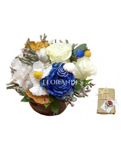 Aranjament floral trandafir albastru