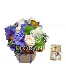 Aranjament floral trandafiri si hortensie