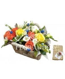 Cos cu trandafiri si scoici
