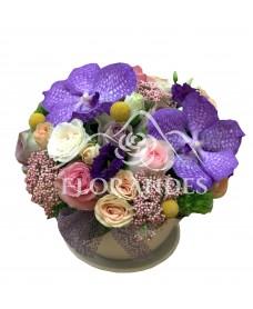 Aranjament floral orhidee mov