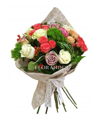 Buchet de trandafiri mov si minitrandafiri