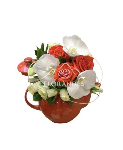 Ceainic orhidee alba si trandafiri