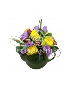 Ceainic trandafiri galbeni si lisianthus