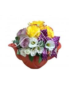 Ceainic trandafiri mov si lisianthus
