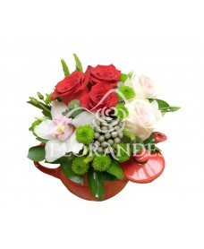 Ceainic trandafiri rosii si orhidee