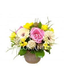 Aranjament floral gerbera si trandafiri