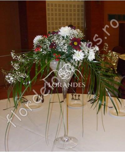 Aranjament de masa din crizantema grena