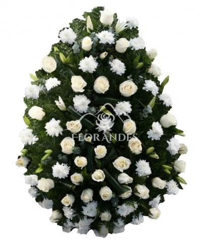 Coroana din crizanteme si trandafiri
