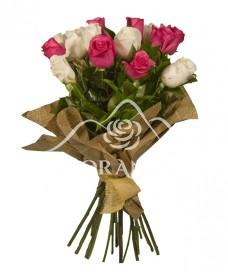 Buchet de trandafiri albi si ciclam