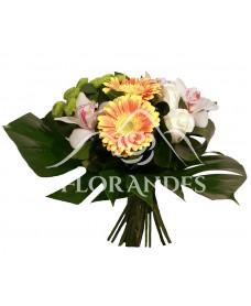 Buchet de trandafiri albi si orhidee