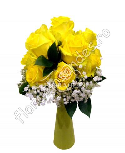 Buchet de mireasa din trandafiri galbeni