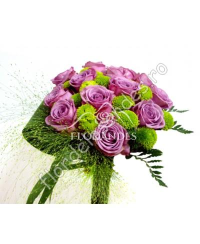 Buchet de mireasa din trandafiri mov