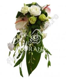 Buchet de mireasa din trandafiri si anthurium