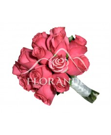 Buchet de mireasa din trandafiri ciclam