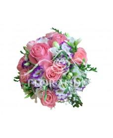 Buchet de mireasa trandafiri roz si lisianthus