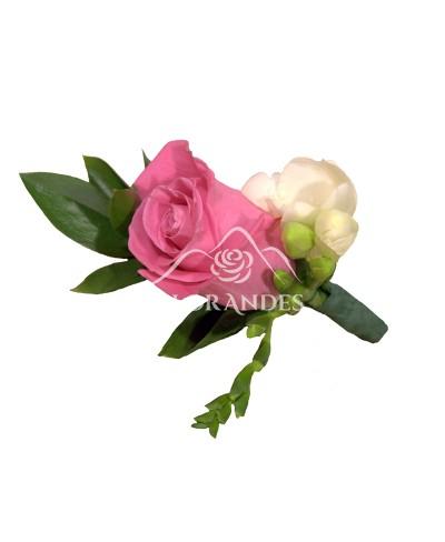 Cocarda din trandafir si frezie
