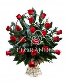 Cos 21 trandafiri rosii