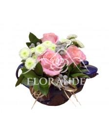 Aranjament floral ceainic cu trandafiri