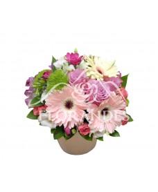 Aranjament floral gerbera roz
