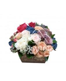 Aranjament vintage trandafiri mov