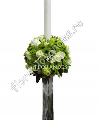 Lumanari de nunta din trandafiri si frezii