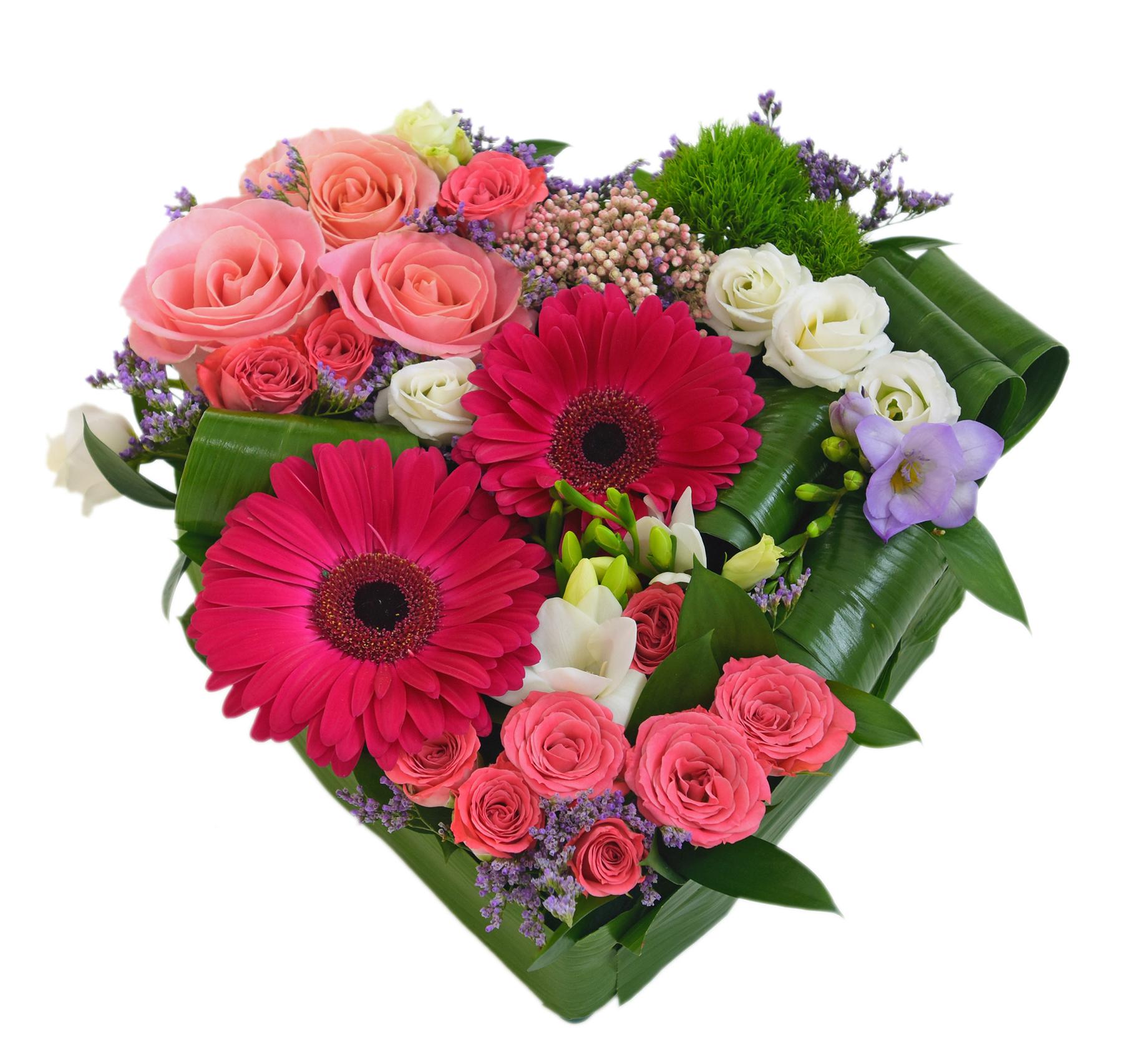 Arata-i ce simti pentru ea: ofera-i un aranjament floral in forma de inima!