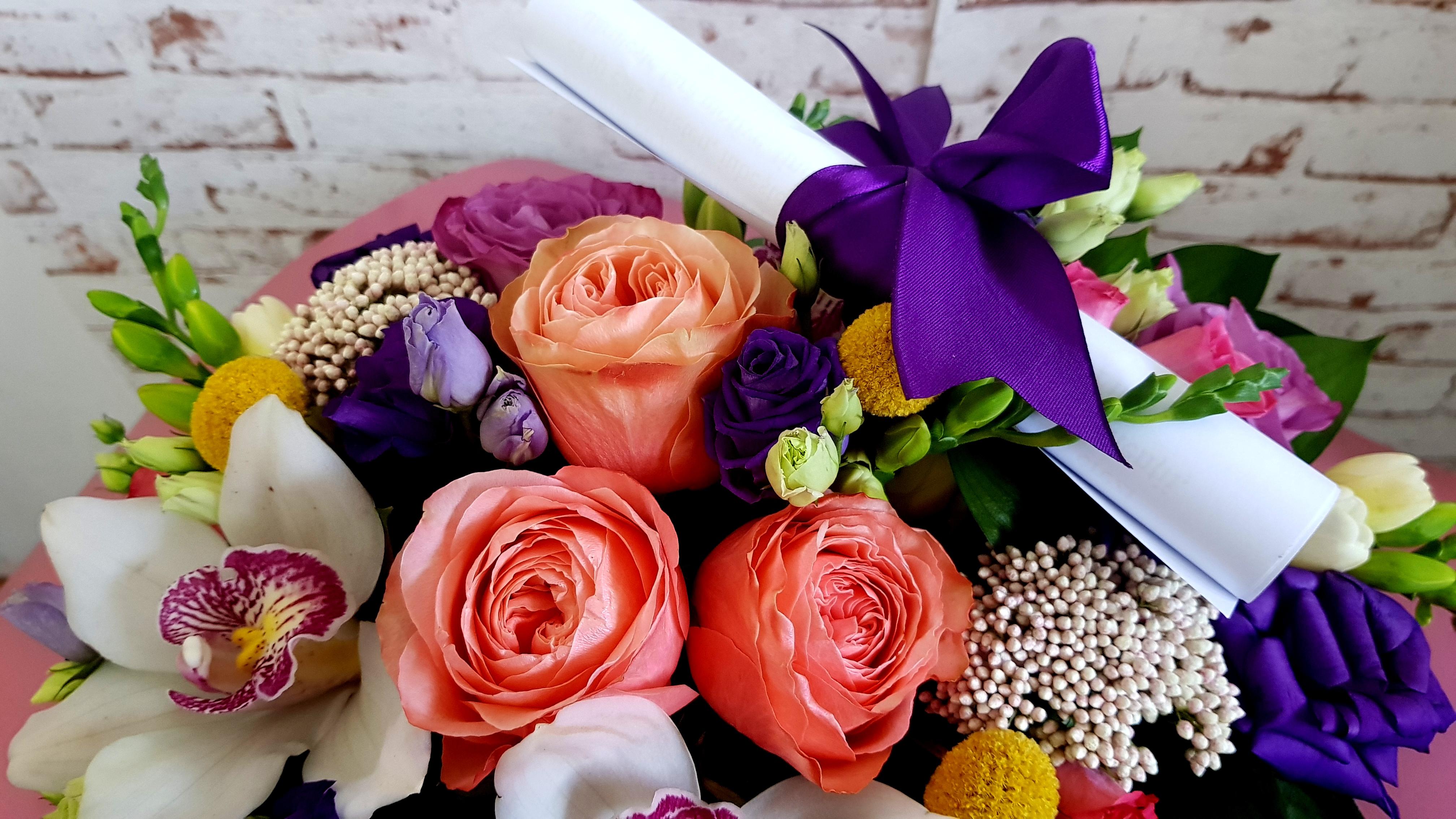 O persoana draga se afla in spital? Comanda flori online!