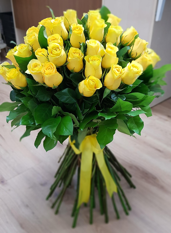 Cand sa oferi buchete de trandafiri galbeni? Iata ce semnifica!